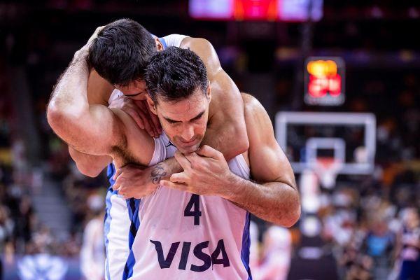 Dongguan (China).- Luis <HIT>Scola</HIT> of Argentina celebrates after...