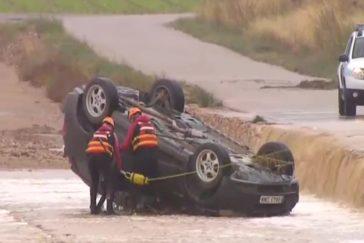 Dos hermanos mueren en su coche por el temporal  en Albacete