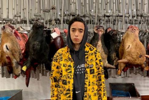 Massin, de 17, presume de liderar un grupo de 'rescatadores' de animales desde Mataró.