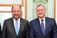 El Ministro de Obras Públicas, Alfredo Moreno, y  el Consejero Delegado de Abertis, José Aljaro.