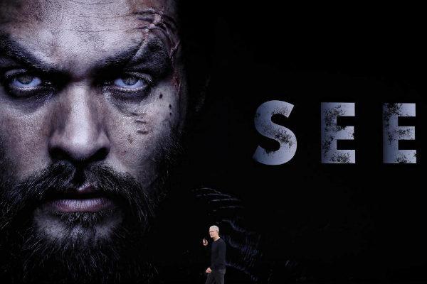 Tim Cook presenta el tráiler de la serie 'See'.