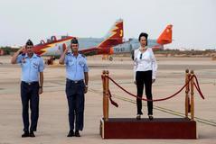 La ministra de Defensa, Margarita Robles, en la Academia General del Aire de San Javier (Murcia).
