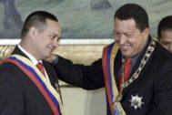 Diosdado Cabello y Hugo Chávez en una imagen de archivo.