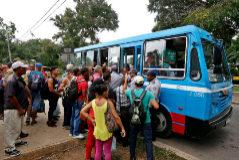Las sanciones a Venezuela ahogan a Cuba