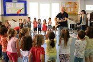 Aprendizaje activo en las clases de inglés de los sábados de Caxton College.