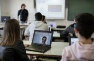 Unos alumnos, en un instituto de Badajoz.