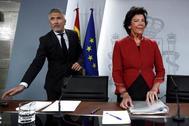 Isabel Celaá y Fernando Grande-Marlaska, en la rueda de prensa tras el Consejo de Ministros de este viernes.