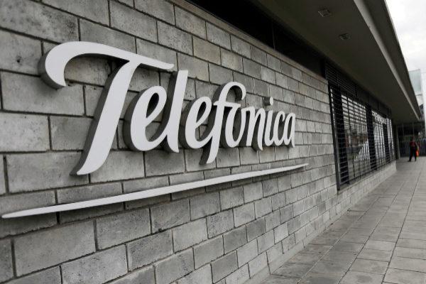 Logotipo de <HIT>Telefonica</HIT> en una de sus sedes.