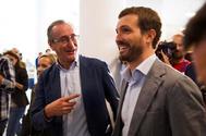 Alfonso Alonso y Pablo Casado, en la clausura de la convención del PP vasco en Vitoria.