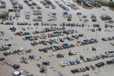 """Pedro Sánchez en Orihuela, a los vecinos afectados por el temporal: """"Vamos a estar aquí"""""""