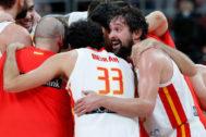Los jugadores españoles, tras la victoria en semifinales.