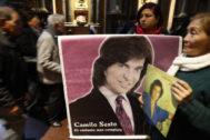Fans del cantante español Camilo Sesto lo recuerdan en Perú.