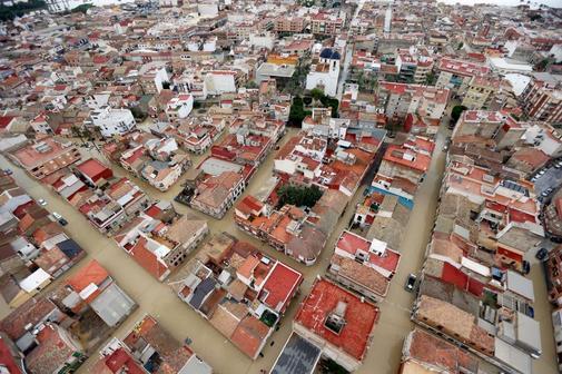 Imagen aérea de la locadidad de Dolores (Alicante), inundada por la...
