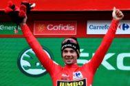 Roglic, en el podio de Gredos.