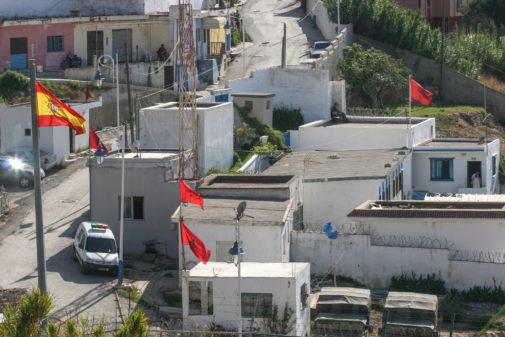 El paso fronterizo de Benzú, al norte de la ciudad, que separa Ceuta...