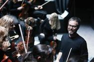 Josep Vicent en uno de los ensayos del ADDASimfònica