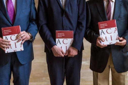 Presentación oficial de la Gramática Básica de la AVL.