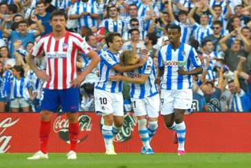 Odegaard celebra el primer gol al Atlético.