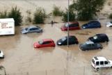 La lluvia convierte en un río Arganda y corta la línea 9 de Metro