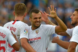 <HIT>Sevilla</HIT>'s Spanish midfielder Joan Jordan (C) celebrates with teammates after scoring a goal during the Spanish league football match Deportivo Alaves against <HIT>Sevilla</HIT> FC at the Mendizorrotza stadium in Vitoria on September 15, 2019. (Photo by ANDER GILLENEA / AFP)