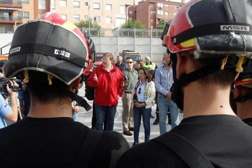 El presidente Puig y la ministra Robles, durante su visita a Orihuela.