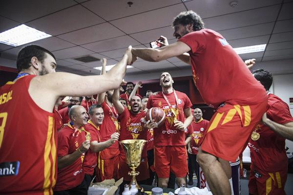 España aplasta a Argentina y vuelve a conquistar el mundo