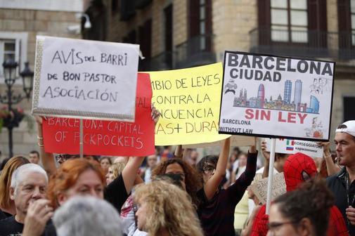 Manifestación de vecinos y comerciantes de Barcelona contra la...