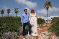 Manuel Valls y Susana Gallardo en Menorca.