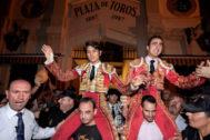 El Fandi y Castella salen a hombros en la jornada inaugural