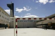 Instalaciones deportivas de la prisión de Albocàsser, que adolece de la 'fuga' de trabajadores desde hace años.