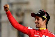 Primoz Roglic celebra la victoria en La Vuelta a España 2019