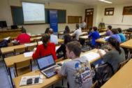 Estudiantes de la Universidad de Deusto en clase.