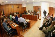 El presidente de la Diputación asistió ayer al pleno de Orihuela.
