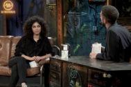 David Broncano entrevista a Mina El Hammani, de Élite, en La Resistencia