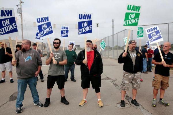 General Motors, paralizada en EEUU por una huelga de sus 31 fábricas