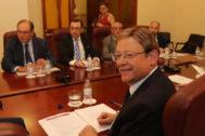 El jefe del Consell, Ximo Puig preside, este lunes, la Mesa de la Cerámica que reunió a Generalitat y patronales cerámicas.