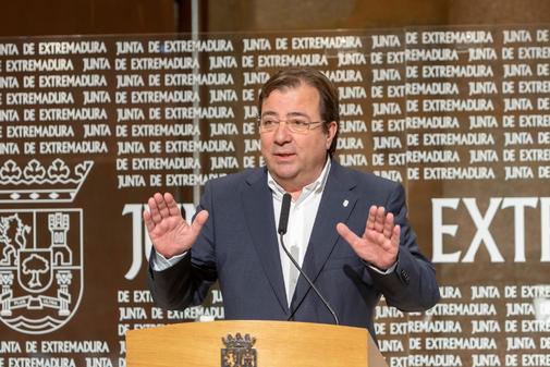 El presidente de Extremadura, Guillermo Fernández Vara, en una...
