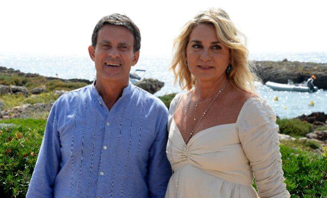 Manuel Valls y Susana Gallardo tras su boda en Menorca el pasado 15 de...