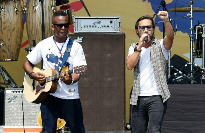 El cantante Diego Torres durante el concierto Venezuela Aid Live en...