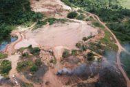 Una mina de oro ilegal cerca de Altamira