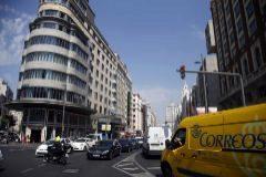 Aspecto de la Gran Vía madrileña a la altura de la plaza de Callao.