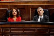 Los ministros en funciones de Hacienda, María Jesús Montero, e Interior, Fernando Grande-Marlaska, este miércoles en el Congreso.