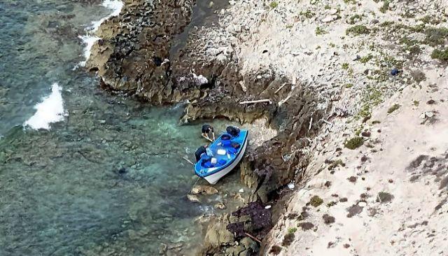 Una patera llegada a la costa de Formentera el pasado agosto.