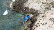 Patera que llegó el pasado a la costa de la Mola, en la isla de Formentera.