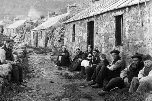 Campesinos escoceses en el siglo XIX.