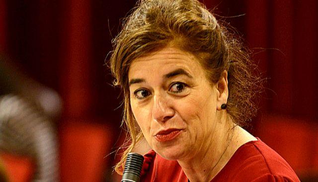 La consellera de Presidencia y portavoz del Govern, Pilar Costa, durante un Pleno.