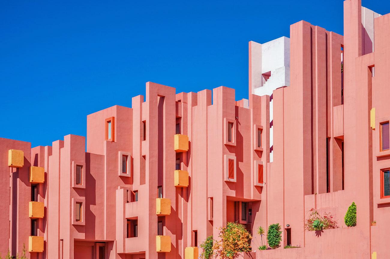 En 1973, el arquitecto Ricardo Bofill diseñó un...