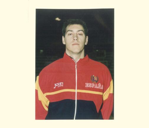 Santi Abad, con el chándal de la Selección española en 1994.