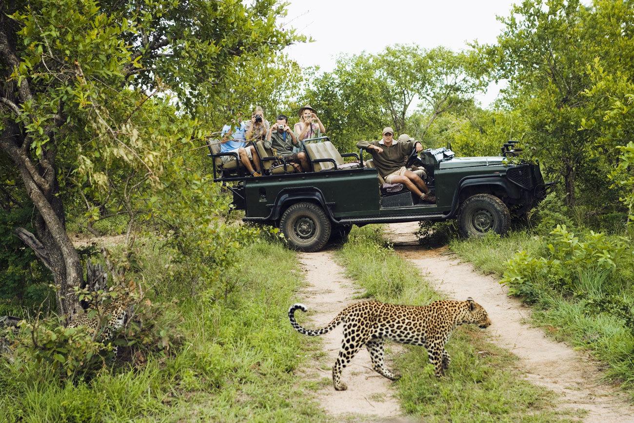 En el noroeste de Sudáfrica, ocupando parte de la frontera...