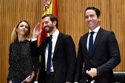 Cayetana Álvarez de Toledo, Pablo Casado y Teodoro García Egea, en...